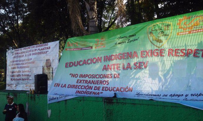 Maestros toman la SEV, exigen destituir a Director de Educación Indígena