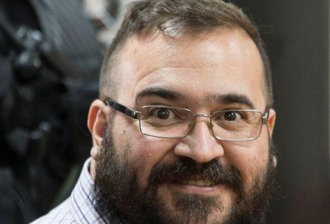 Resultado de imagen para El ex gobernador Javier Duarte de Ochoa recibe en su celda a Imagen Noticias