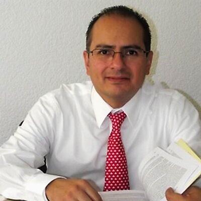 Ernesto Villanueva