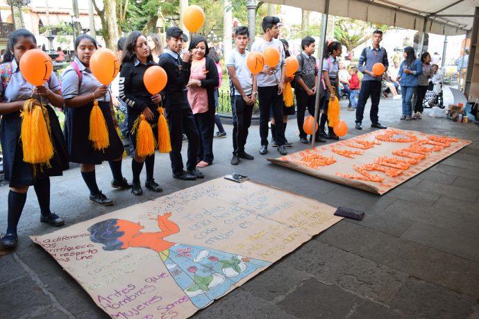 Chimbotanos rechazan la violencia contra la mujer con singular mural