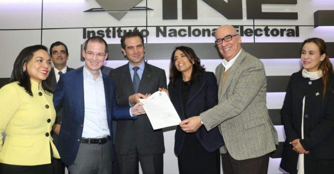 Registran alianza Por México; Acción Nacional elegirá presidenciable
