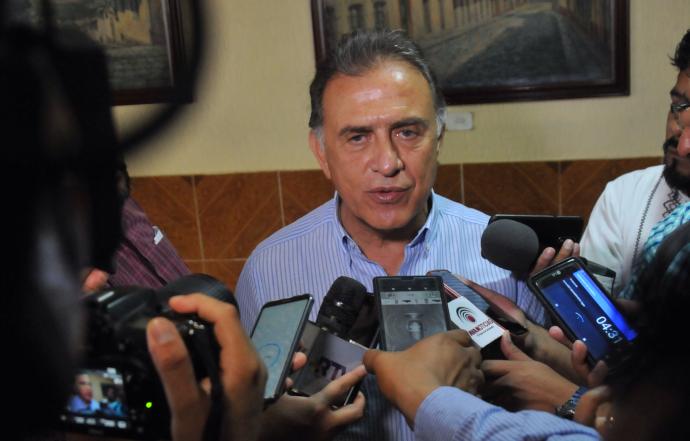 Yunes Linares le responde a Cuitláhuac: