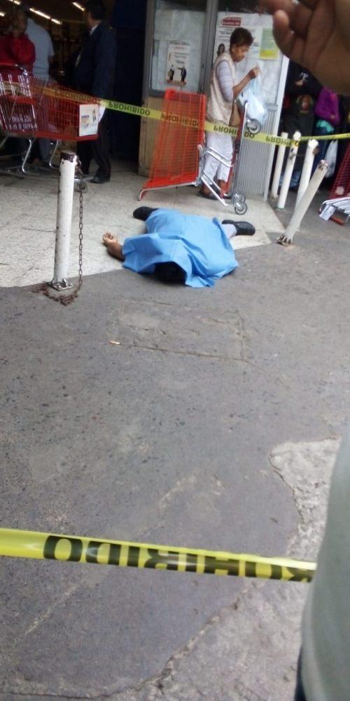 Delincuente asesina a comerciante del mercado Unidad Veracruzana para robarle un celular 6a9e6060-1c52-4dc0-bfb0-9db9e054572c-500x999