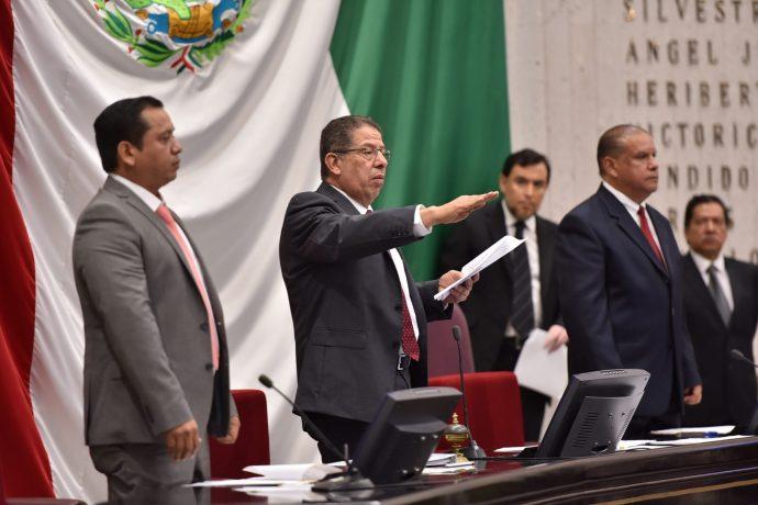 Traición de diputados morenistas para nombrar a un expriista como presidente de la Mesa Directiva del Congreso Foto-269-690x460