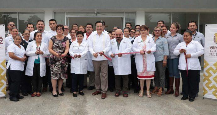 Inaugura gobernador Cuitláhuac García centro de salud en Tierra Blanca que dará servicio a 60 mil habitantes - plumas libres